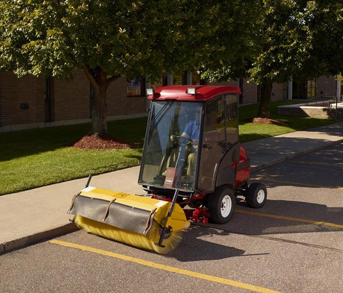 groundsmaster-3280-cab-brush