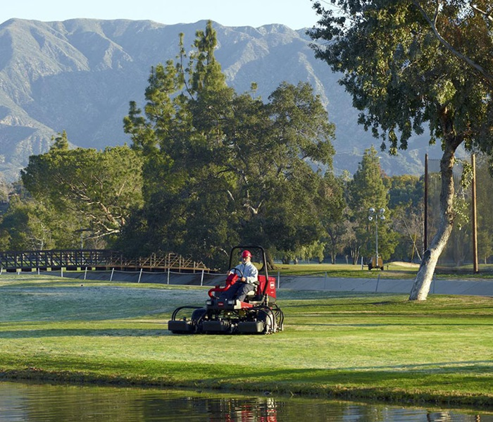 reelmaster-3550-outside-front-left-feature