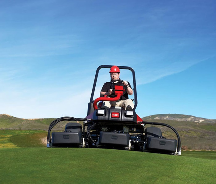 reelmaster-3550-outside-front